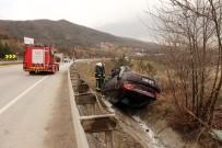 Bariyerlere Çarpan Araç Takla Attı Açıklaması 1'İ Ağır 6 Yaralı