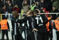 OĞUZHAN ÖZYAKUP - Beşiktaş'ta yüzler gülüyor