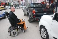 OMURİLİK FELCİ - Engelli Rampasına Park Etti, Bedensel Engelli Yolda Kaldı