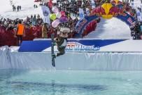 AYŞE TOLGA - Erciyes'te Buz Gibi Suya Atladılar