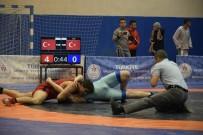 KALENDER - Güreş Grup Karşılaşmaları Burdur'da Devam Ediyor