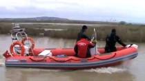 Manyas Gölü'nde Kaybolan Balıkçıyı Arama Çalışmaları