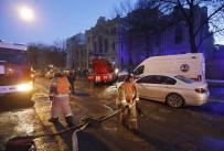 PETERSBURG - Rusya'da Üniversite Binası Çöktü Açıklaması 21 Kişi Enkaz Altında Kaldı