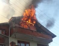 Evin Çatısında Çıkan Yangın Korkuttu