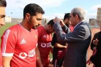 AMATÖR LİG - Viranşehir Sanayi Spor'un Kupasını Başkan Demirkol Verdi