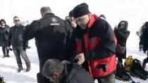 Yüzeyi Buzla Kaplı Çıldır Gölü'ne Dalış Yapıldı