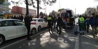 ATATÜRK BULVARI - Adıyaman'da 5 Otomobil Birbirine Girdi Açıklaması 2 Yaralı