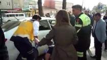 ATATÜRK BULVARI - Adıyaman'da Zincirleme Trafik Kazası Açıklaması 2 Yaralı