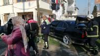 ATATÜRK - Düzce'de Meydana Gelen Kazada Otomobil Evin Bahçesine Girdi