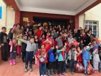 'Farkında Mısın Gönüllüleri', Feke'de Çocukları Eğlendirdi