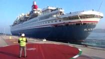 DÜNYA TURU - Kuşadası'na Sezonun İlk Kruvaziyer Gemisi Geldi