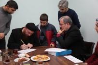 HATTAT - Vali Toraman, Hattat Mahmut Şahin'in Dersine Katıldı