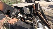 Yangında Hasar Gören Evi Öğrenciler Onarıyor