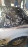 Alev Alan Otomobil İtfaiye Ekiplerince Söndürüldü
