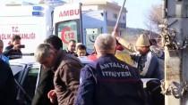 Antalya'da Zincirleme Trafik Kazası Açıklaması 3 Yaralı