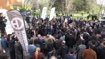 Bakan Varank 'Kampüs Taksi' İle Öğrenci Taşıdı