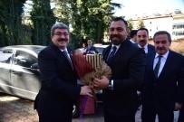 BAKAN YARDIMCISI - Bakan Yardımcısı Yerlikaya, Başkan Can'ı Makamında Ziyaret Etti