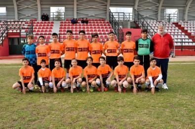 Gürsu Belediyespor U14 Takımı Nâmağlup Şampiyon