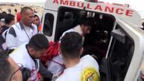 YAŞAM MÜCADELESİ - İsrail Askerleri Gazze Sınırında 20 Filistinliyi Yaraladı