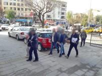 SOĞUCAK - Kuşadası'nda Villaya Uyuşturucu Baskını Açıklaması 3 Tutuklama.