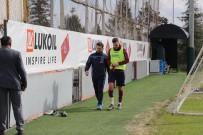 ANKARAGÜCÜ - Novak Çıktığı İlk Antrenmanda Yine Sakatlandı