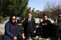 ZINCIRLIKUYU - Defne Joy Foster Mezarı Başında Anıldı
