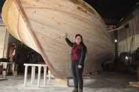 AHŞAP EV - Kadın Girişimci, Denizi Olmayan Manisa'da Tekne Üretiyor
