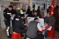 TÜRK KıZıLAYı - 300 Polis Kan Verdi