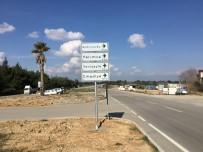 CEYHAN - Adana Büyükşehir Belediyesi, 10 Bin Yön Levhasını Yeniledi