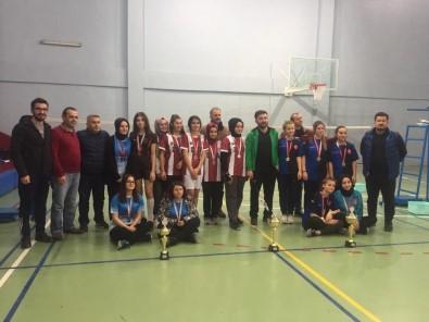 Badminton Düzce İl Şampiyonu Gümüşova Anadolu İHL Oldu