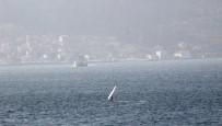 Buz Gibi Havada Rüzgar Sörfü Yaptılar