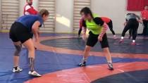 GÜREŞ MİLLİ TAKIMI - Kadın Güreşçiler, Avrupa Şampiyonası'na İddialı Hazırlanıyor