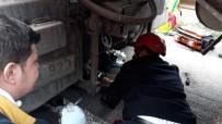 ŞANLIURFA - Motosiklet Sürücüsü Tırın Altında Kaldı