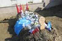ÖZBEKISTAN - Ozan Arif'in Mezarına Dünyanın Birçok Yerinden Toprak