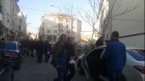 TRAFİK DENETİMİ - Polisin Durdurduğu Araçtan 3 FETÖ Şüphelisi Çıktı