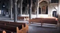 Teröristlerin Tahrip Ettiği Cemaat Kiliselerini Devlet Restore Ediyor