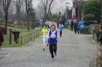 BAYRAMPAŞA BELEDİYESİ - Bayrampaşa'da Düzenlenen Atatürk Kır Koşusu'nda Rekor Sayıda Öğrenci Katıldı