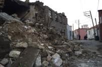 TÜRK KıZıLAYı - Depremin Bilançosu Gün Ağarınca Gözler Önüne Serildi