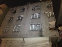ZABıTA - Gaziosmanpaşa'da Çatlakların Oluştuğu Bina Tahliye Edildi
