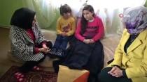 DEVLET HASTANESİ - (Özel) Omurilik Felçli Abla Melike İle Göz Kanseri Olan Kız Kardeşi Melisa'ya Yardım Eli