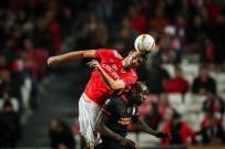 SİNAN GÜMÜŞ - UEFA Avrupa Ligi Açıklaması Benfica Açıklaması 0 - Galatasaray Açıklaması 0 (İlk Yarı)