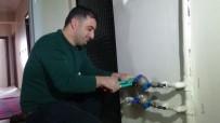 ALI BOZKURT - Apartman Sakinlerine 'Su Saati' Şoku