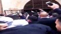 İŞGAL - Binlerce Filistinli, İşgal Güçlerinin Kapattığı Er-Rahme Kapısı'nı Açtı