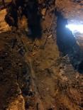 DOĞALGAZ BORU HATTI - Kemerburgaz'da Göçük Altında Kalan 1 İşçi Hayatını Kaybetti