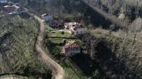 YAŞLI ÇİFT - Ordu'da Heyelandan 7 Ev Boşaltıldı, 3 Ev De Risk Altında