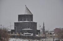 Kars Ziyaretçi Akınına Uğruyor