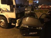 Freni Boşalan Kamyon Otomobili Altına Aldı Açıklaması 2 Yaralı