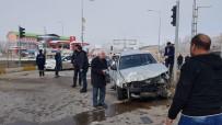 Frenleri Boşalan Tır 2 Otomobili Hurdaya Çevirdi
