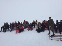 MURAT KAYA - İlk Defa Kayak Merkezine Giden Çocuklar Doyasıya Eğlendi