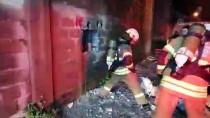 KAĞIT HAVLU - İzmir'de İş Yeri Deposunda Yangın